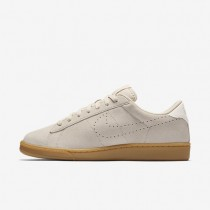 NikeCourt Tennis Classic CS Womens Shoes Oatmeal/Ivory/Gum Light Brown/Oatmeal Style: 829351-100